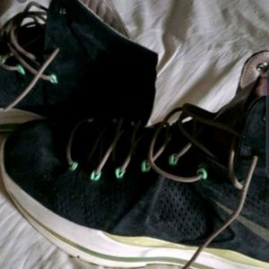 Lebron 10 ext mint black suede size 9.5
